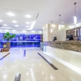 Recepción Hotel NH Royal Pavillon