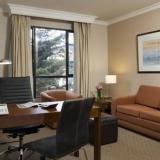 "Sala con escritorio ejecutivo 2 - <a href=""http://www.booking.com/hotel/co/embassy-suites-bogota-rosales-by-hilton.html?aid=384790;label=hotelgallery#availability_target"" rel=""nofollow"">Reserva ahora</a>"