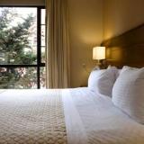 """Habitaciones con vista a la ciudad - <a href=""""http://www.booking.com/hotel/co/embassy-suites-bogota-rosales-by-hilton.html?aid=384790;label=hotelgallery#availability_target"""" rel=""""nofollow"""">Reserva ahora</a>"""