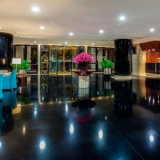 """Lobby - <a href=""""http://www.booking.com/hotel/co/ghl-capital.html?aid=384790;label=hotelgallery#availability_target"""" rel=""""nofollow"""">Reserva ahora</a>"""