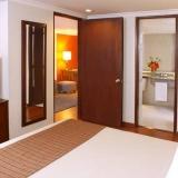 "Habitaciones confortables - <a href=""http://www.booking.com/hotel/co/estelar-de-la-feria.html?aid=384790;label=hotelgallery#availability_target"" rel=""nofollow"">Reserva ahora</a>"
