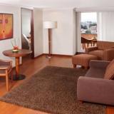 "Suites - <a href=""http://www.booking.com/hotel/co/estelar-de-la-feria.html?aid=384790;label=hotelgallery#availability_target"" rel=""nofollow"">Reserva ahora</a>"