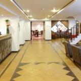 "Lobby - <a href=""http://www.booking.com/hotel/co/estelar-de-la-feria.html?aid=384790;label=hotelgallery#availability_target"" rel=""nofollow"">Reserva ahora</a>"
