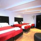 "Habitación cuàdruple - <a href=""http://www.booking.com/hotel/co/casa-americana.html?aid=384790;label=hotelgallery#availability_target"" rel=""nofollow"">Reserva ahora</a>"