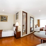 """Habitaciones triples - <a href=""""http://www.booking.com/hotel/co/51.html?aid=384790;label=hotelgallery#availability_target"""" rel=""""nofollow"""">Reserva ahora</a>"""