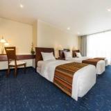 "Habitaciones familiares - <a href=""http://www.booking.com/hotel/co/51.html?aid=384790;label=hotelgallery#availability_target"" rel=""nofollow"">Reserva ahora</a>"