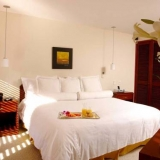 "Buena iluminación - <a href=""http://www.booking.com/hotel/co/101-park-house.html?aid=384790;label=hotelgallery#availability_target"" rel=""nofollow"">Reserva ahora</a>"