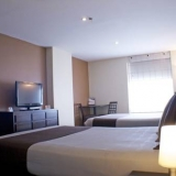"Habitación Doble con 2 camas - <a href=""http://www.booking.com/hotel/co/santa-barbara-real.html?aid=384790;label=hotelgallery#availability_target"" rel=""nofollow"">Reserva ahora</a>"